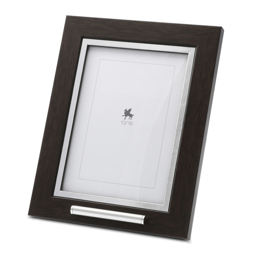 Picture frame urn