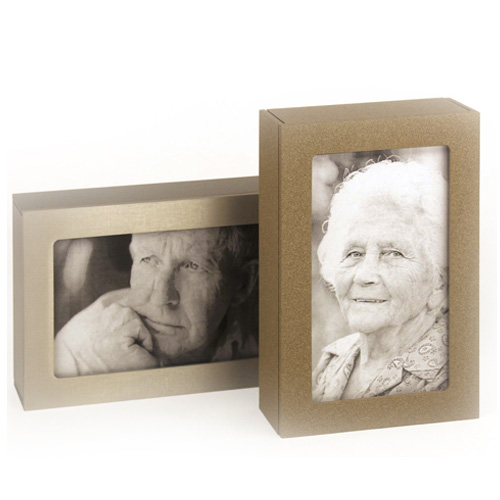 Picture frame urn